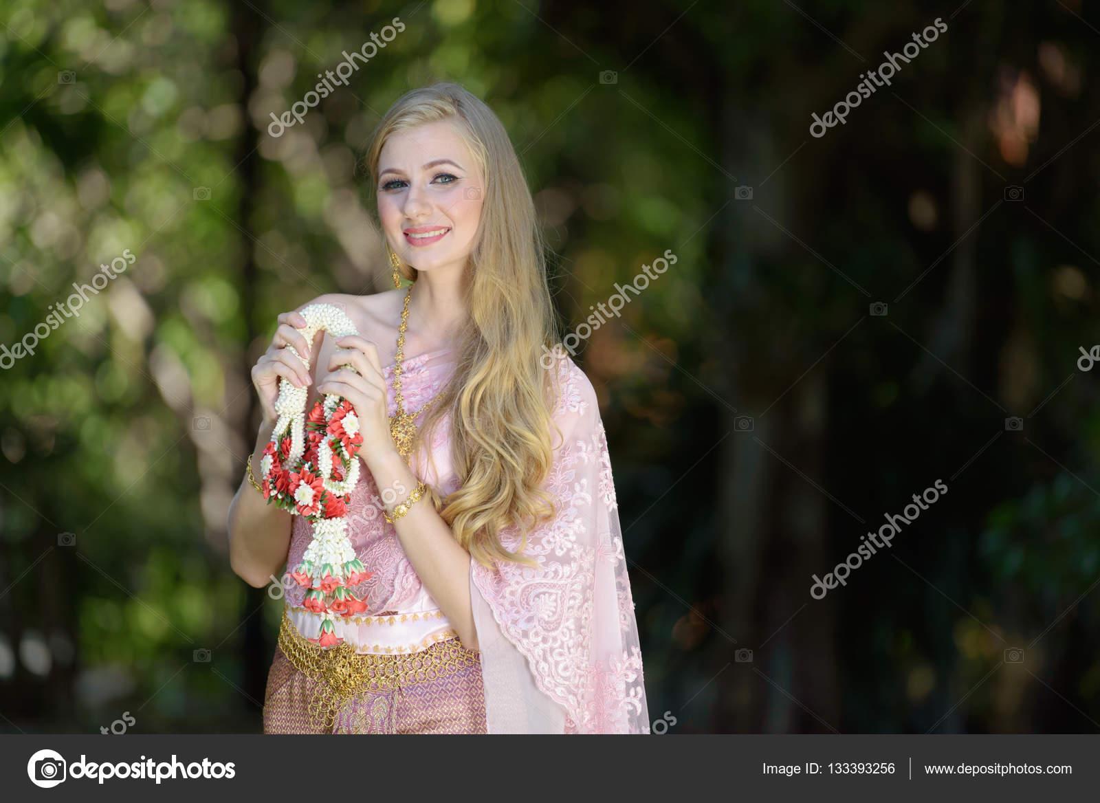 Like beautiful of asian women traditional geillllll