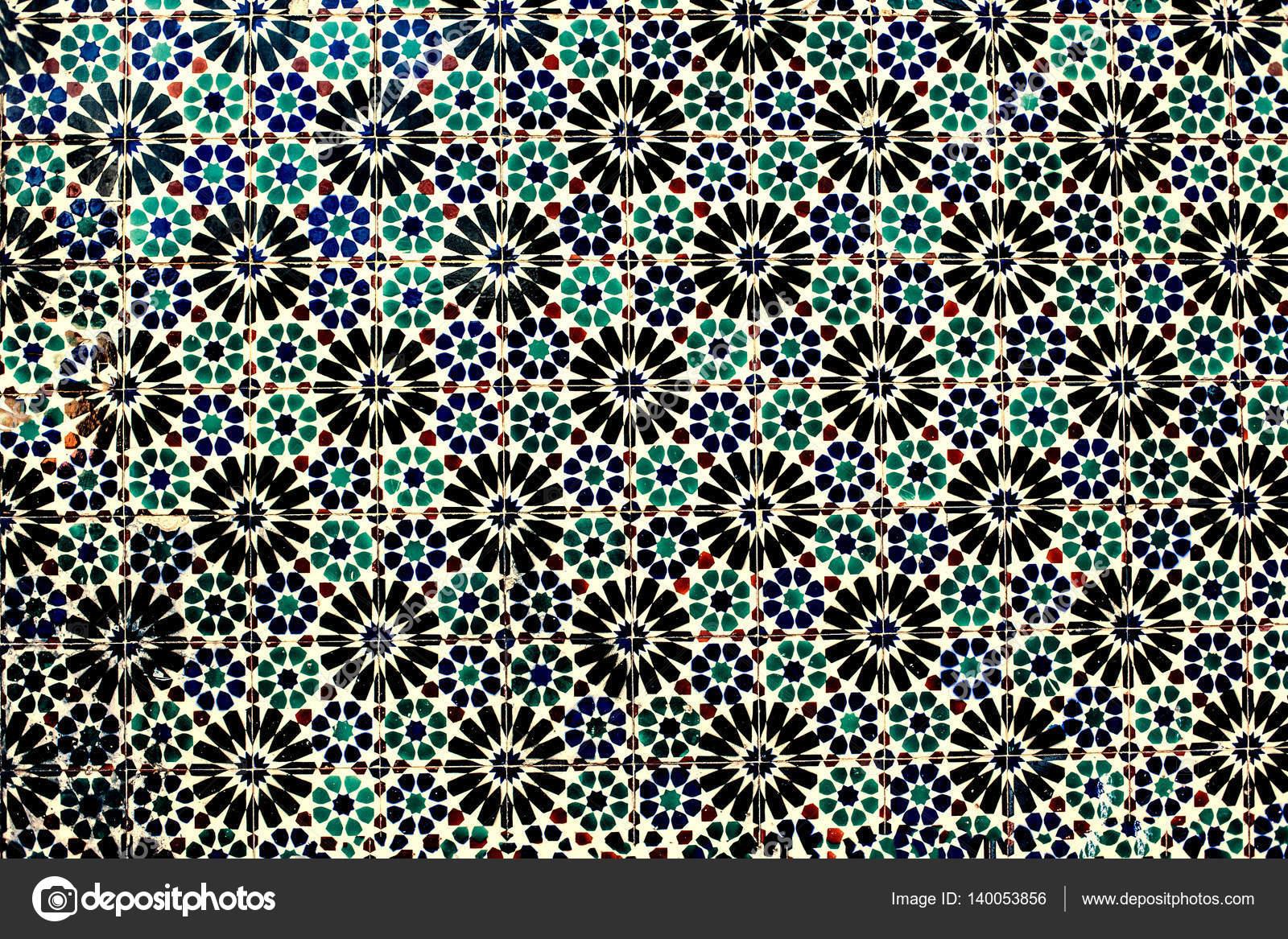 Tipico muro ornamentale marocchino colorato u2014 foto stock © zakharova