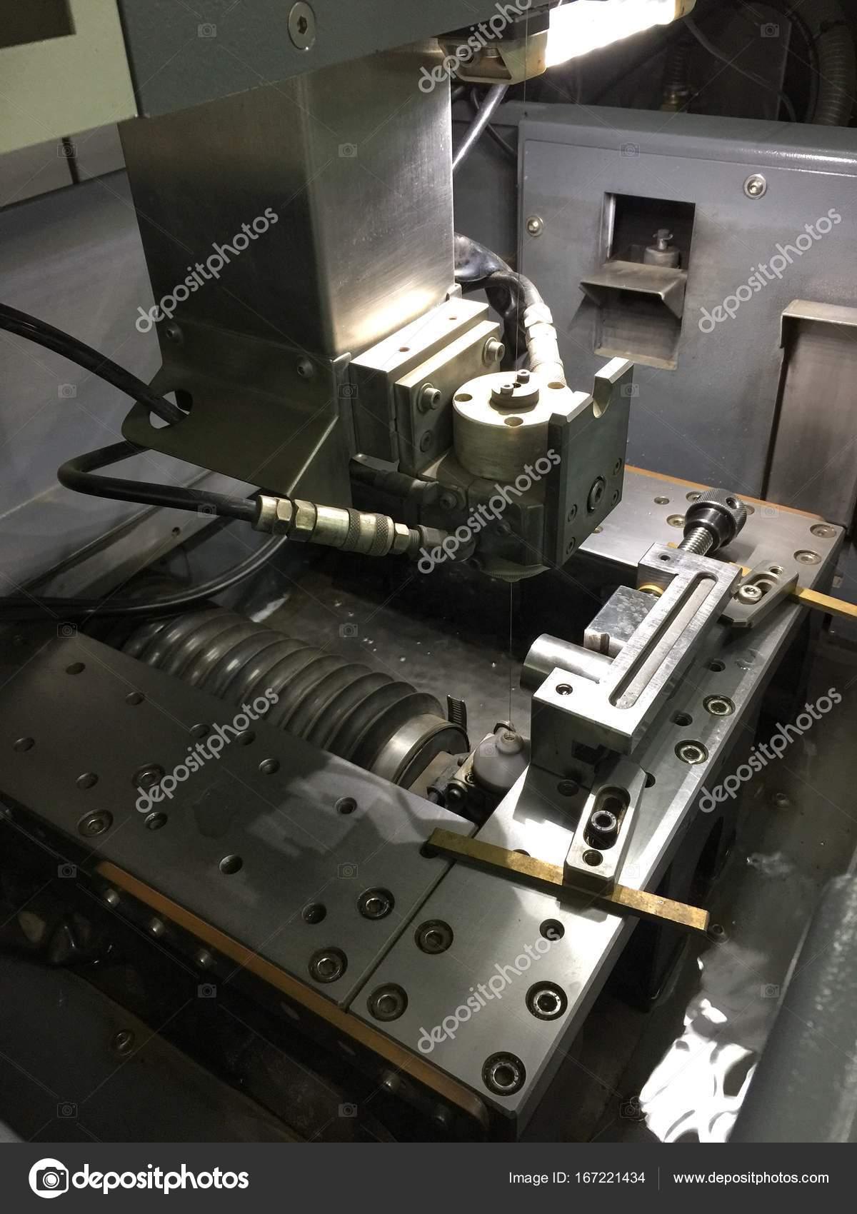 Draht-Erodiermaschine — Stockfoto © ztudiototo #167221434