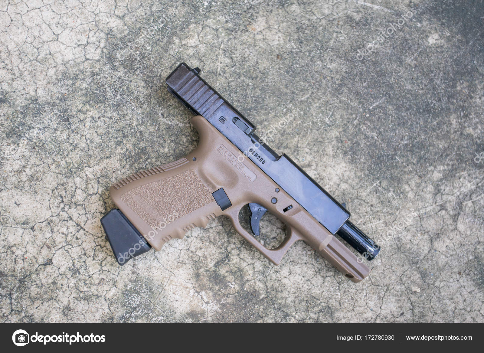 Glock 19 Two Tone Airsoft 6 Mm Bullet Ball Pistol Gun On The Floor