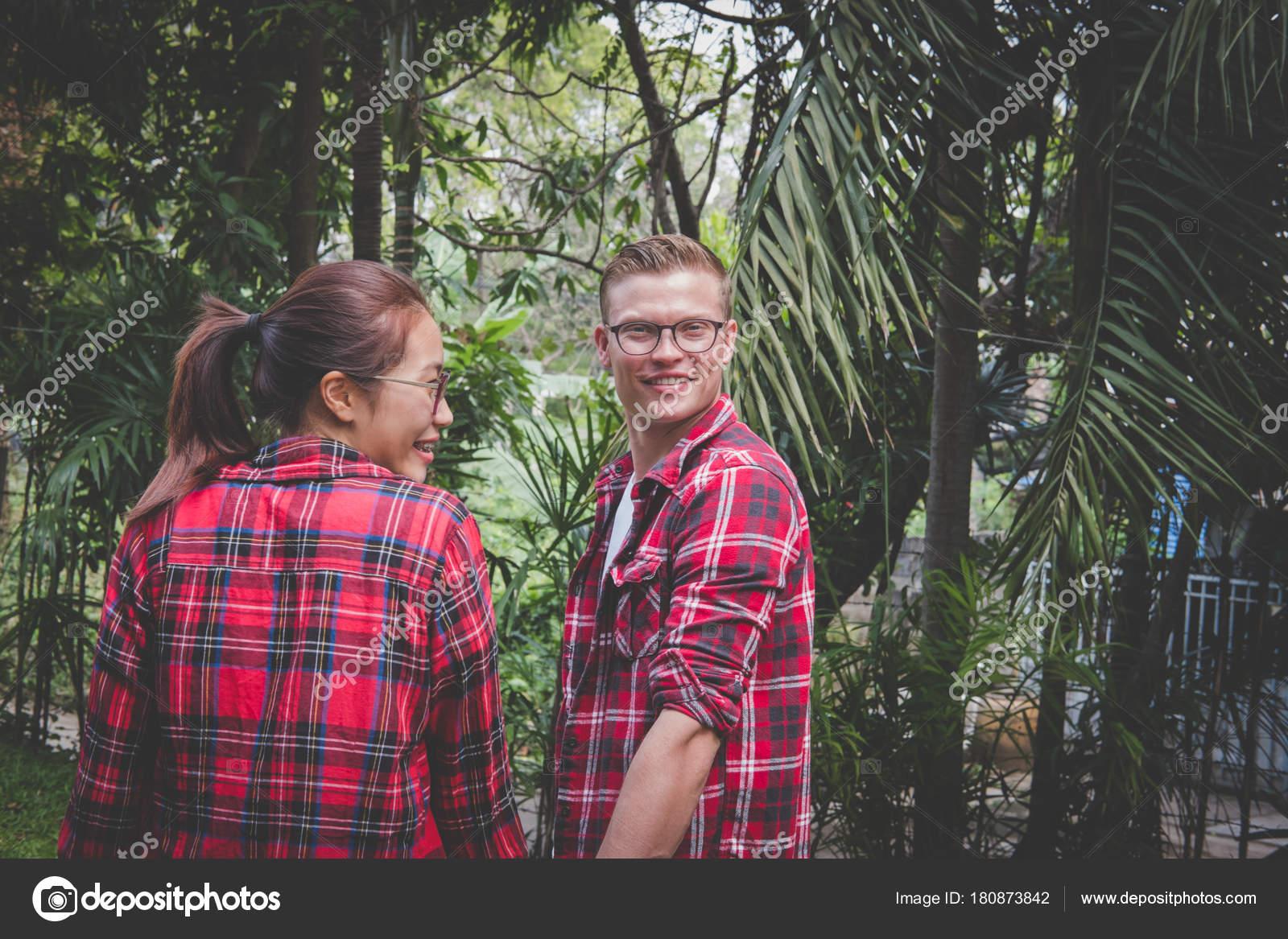 Holding handen bij het daten
