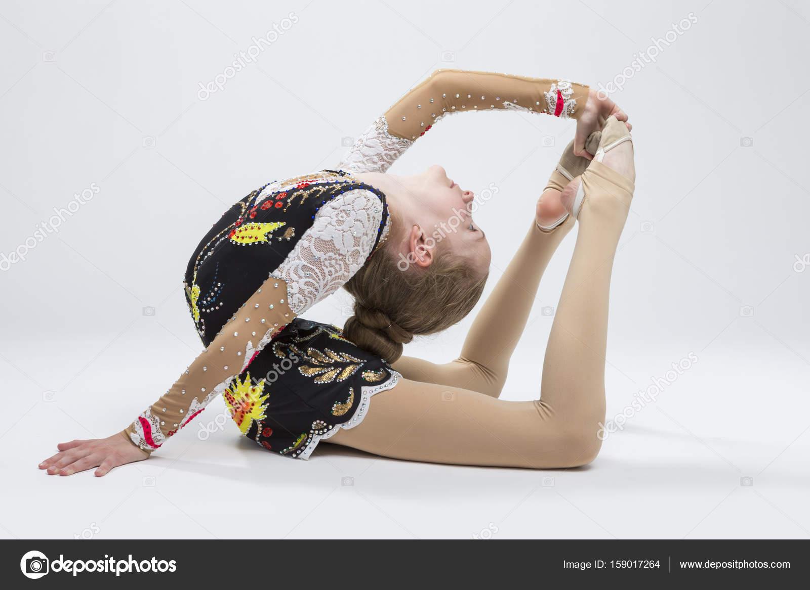 Idee Pose Fotografiche : Sport ideen junge caucasian female rhythmischen sportgymnastik