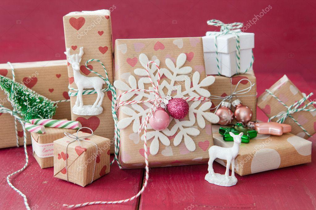 Kleine Geschenke für Weihnachten — Stockfoto © BarbaraNeveu #127517944