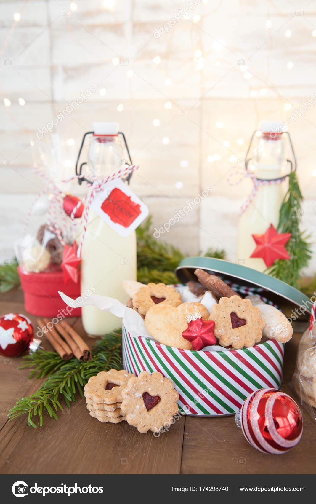 Selbstgemachte Geschenke Fur Weihnachten Stockfoto C Barbaraneveu