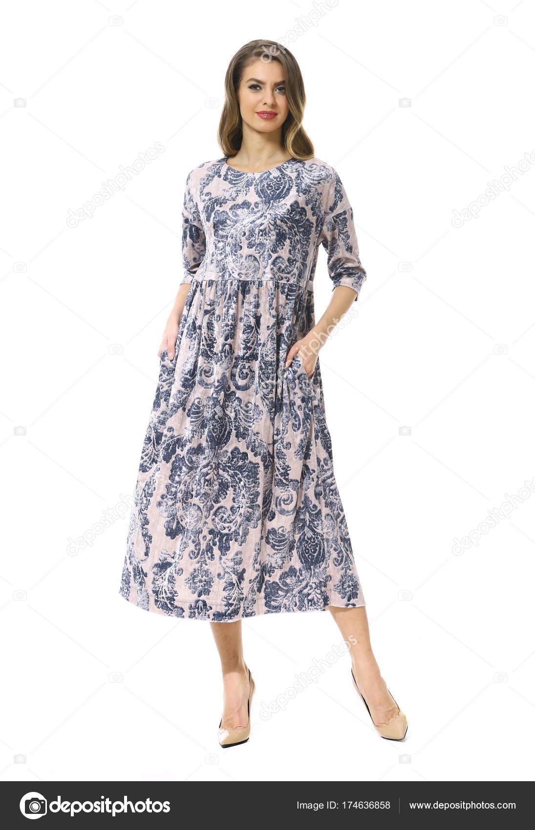 Business-Frau in der formalen Kleidung isoliert auf weiss ...