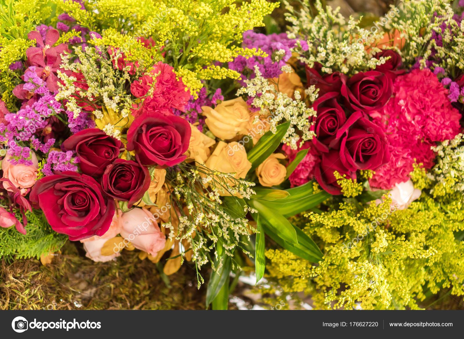 Mixed flower arrangement, Colorful mixed bouquet flowers — Stock ...