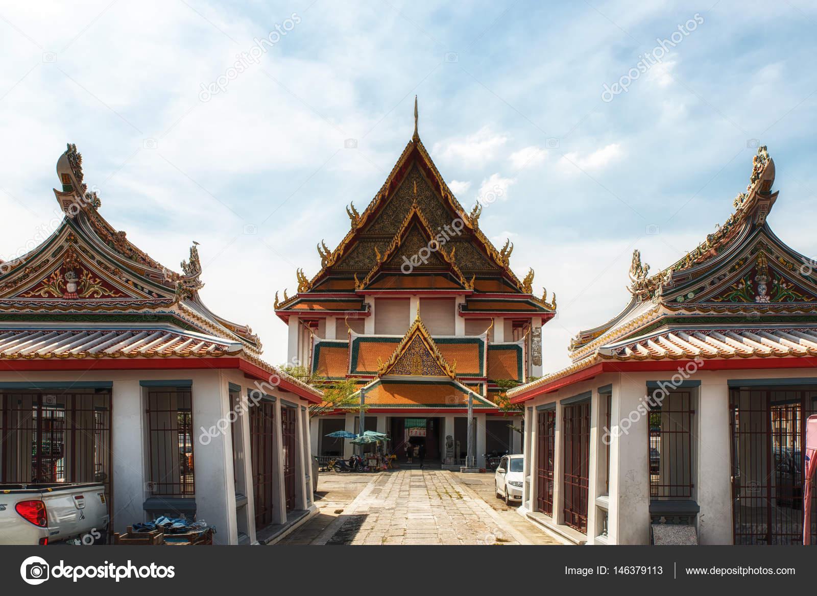 famous ancient architecture. Royal Buddha Temple In Bangkok, Thailand - Wat Kalayanamit Woramahawiharn. Famous Asian Ancient Architecture Landmark And Travel Destination \u2014 Photo By