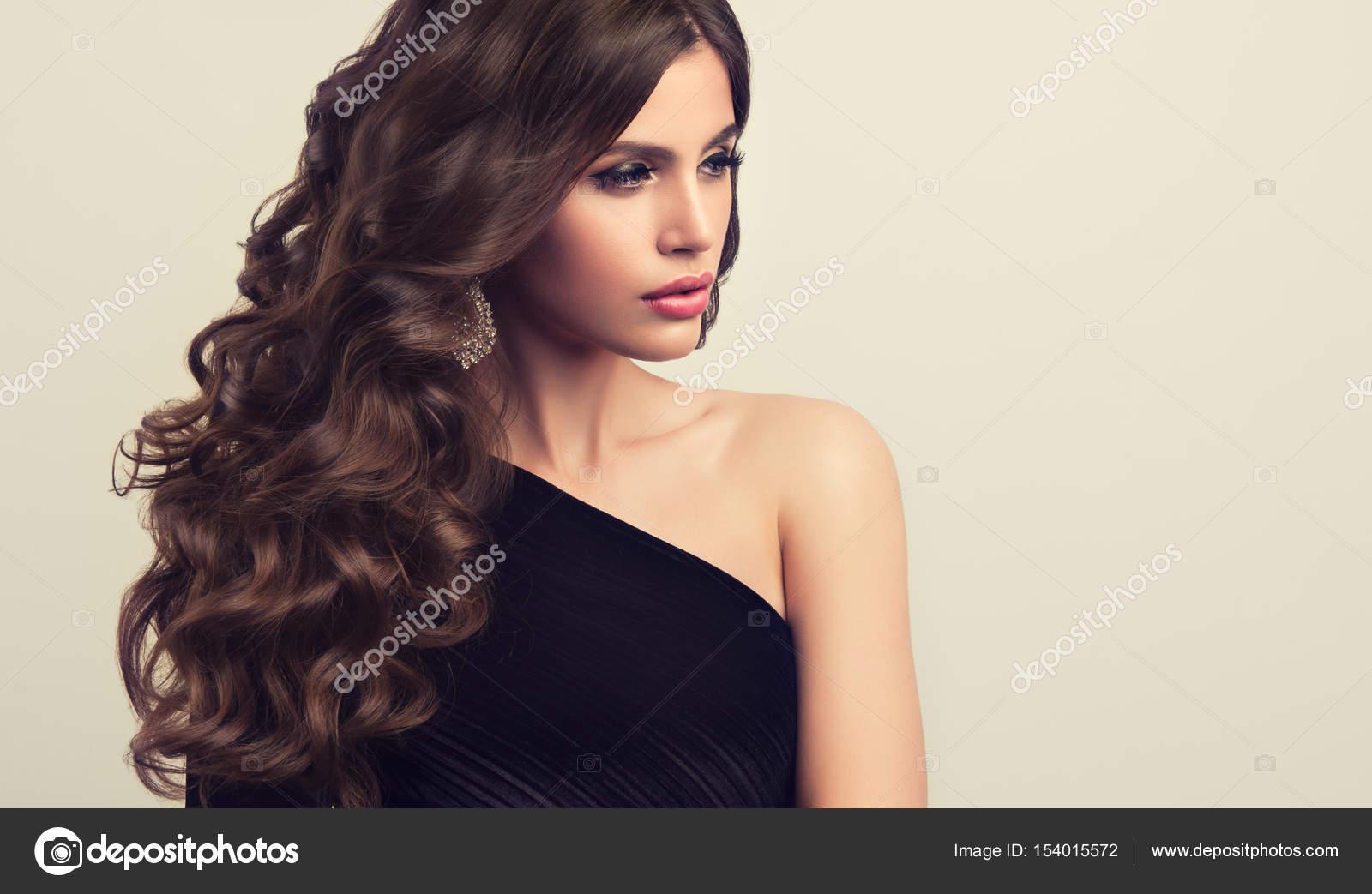 Imagenes Cabello Ondulado Corto Chica Hermosa Modelo Con El Pelo - Cabello-ondulado-corto