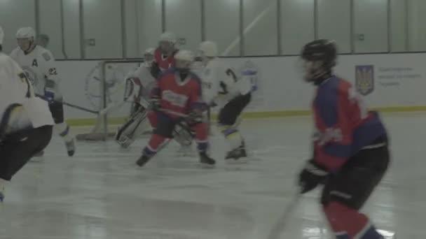 Eishockeyspiel in der Eisarena. kyiv. ukkraine