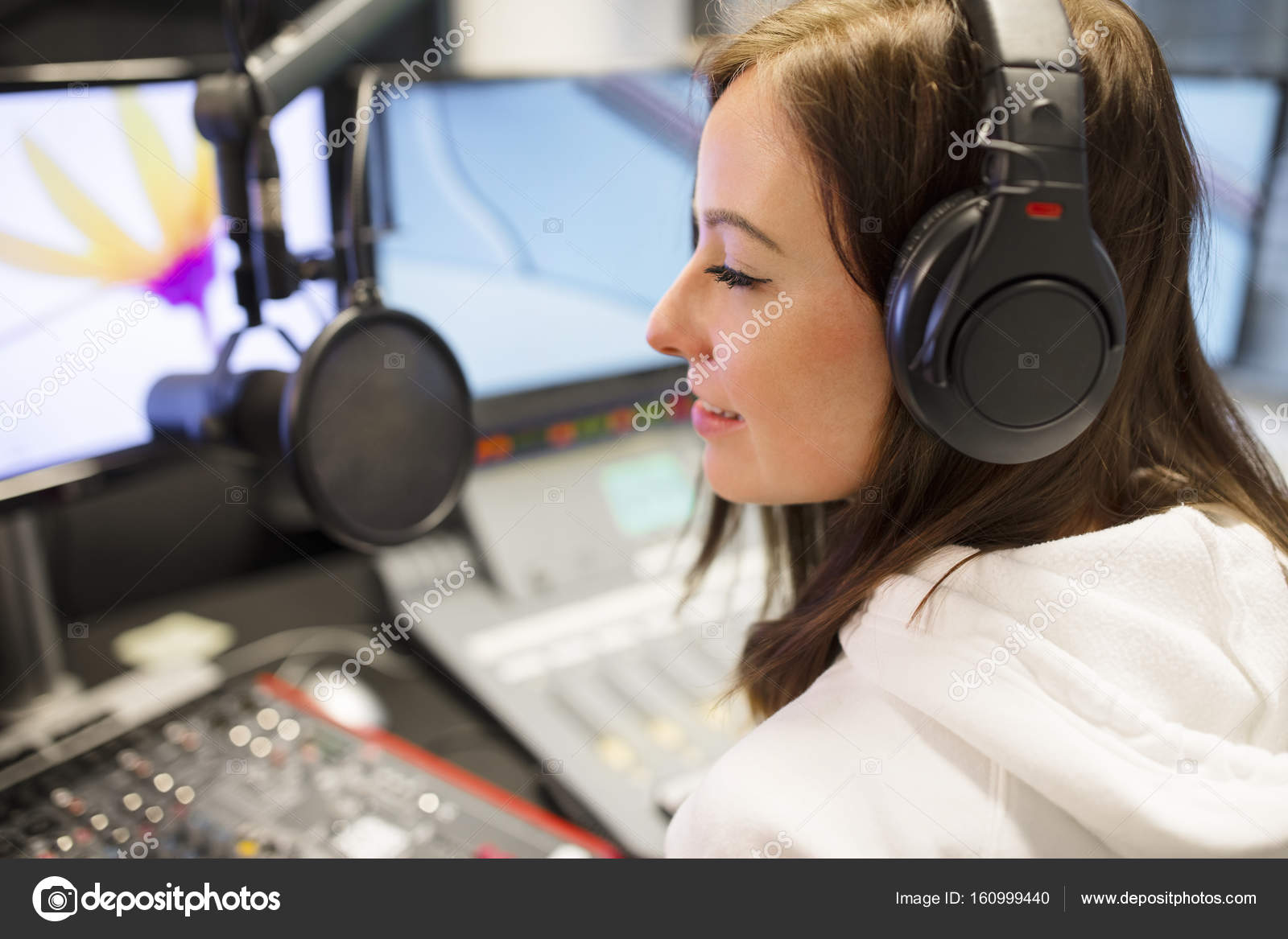 Was macht eine weibliche Host