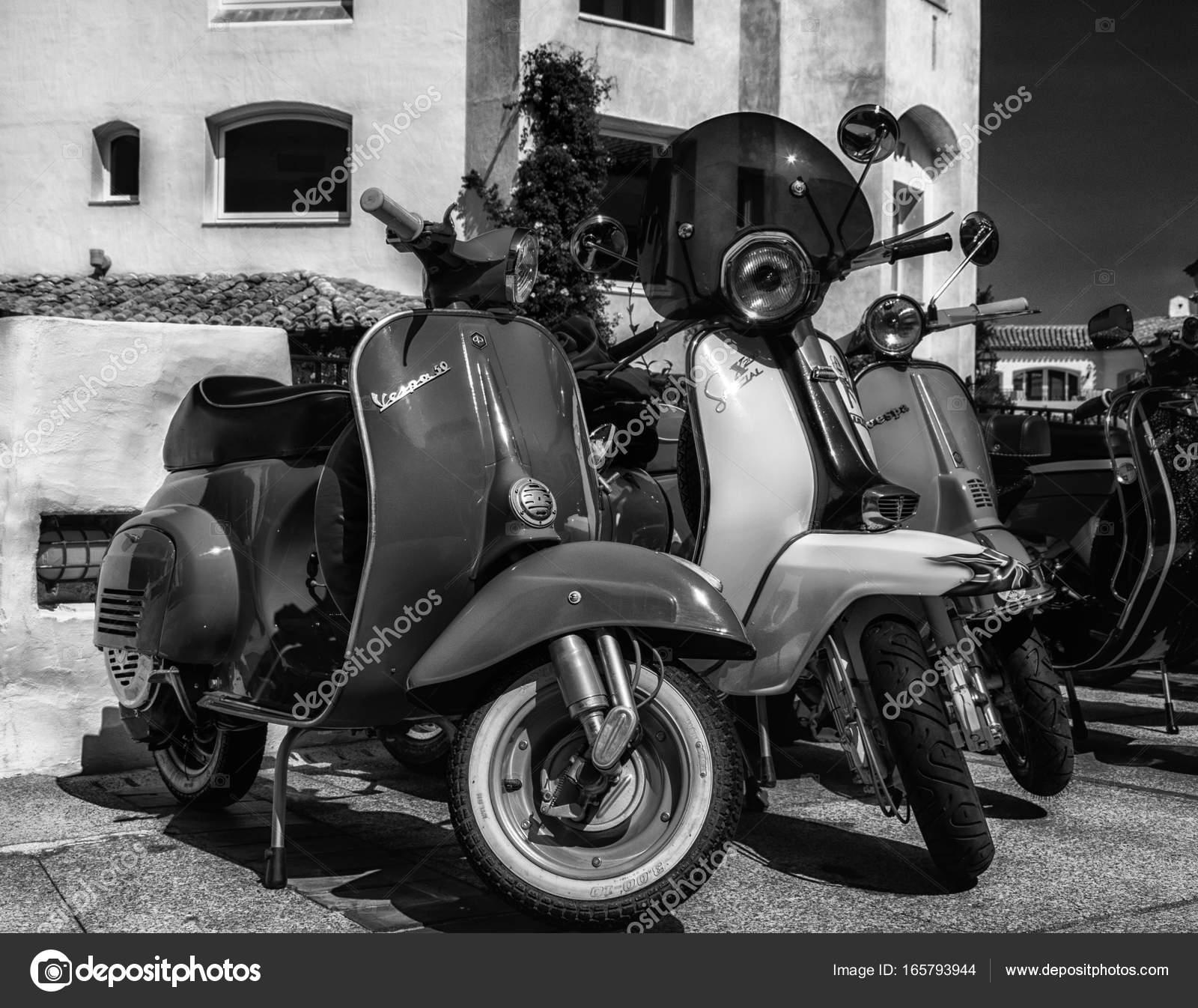 Foto Vintage Vespa Piaggio Vespa Vintage Sprint Motor Scooter