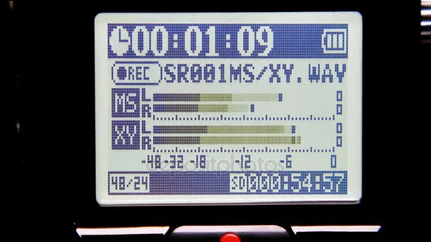 Hudební klip grafické úrovně. Výstřel ze zobrazení systému stereo nahrávání.