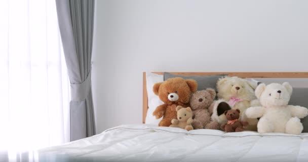 Lány szoba mackó ágyon
