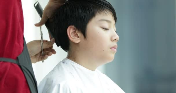 Boy Having Haircut Hair Clippers Stock Video Sirikornt 195886128