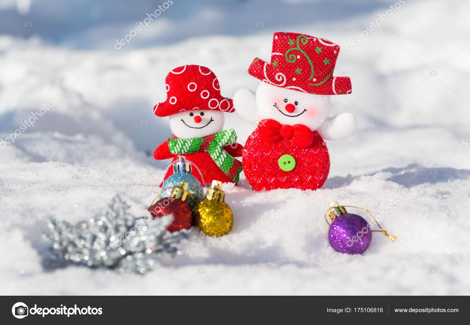 Immagini Di Natale Pupazzi Di Neve.Cartolina Natale Con Pupazzi Neve Ragazzo Ragazza Con