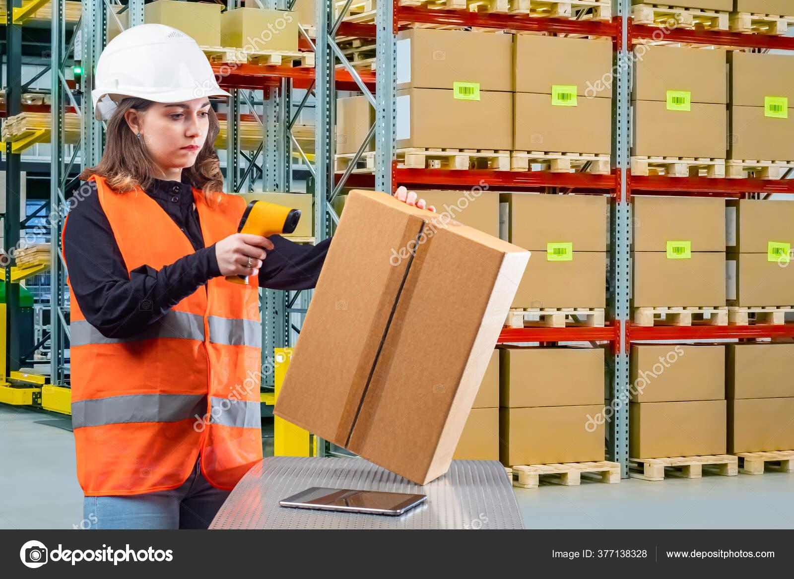 Девушка на склад работа работа для девушки в долгопрудном