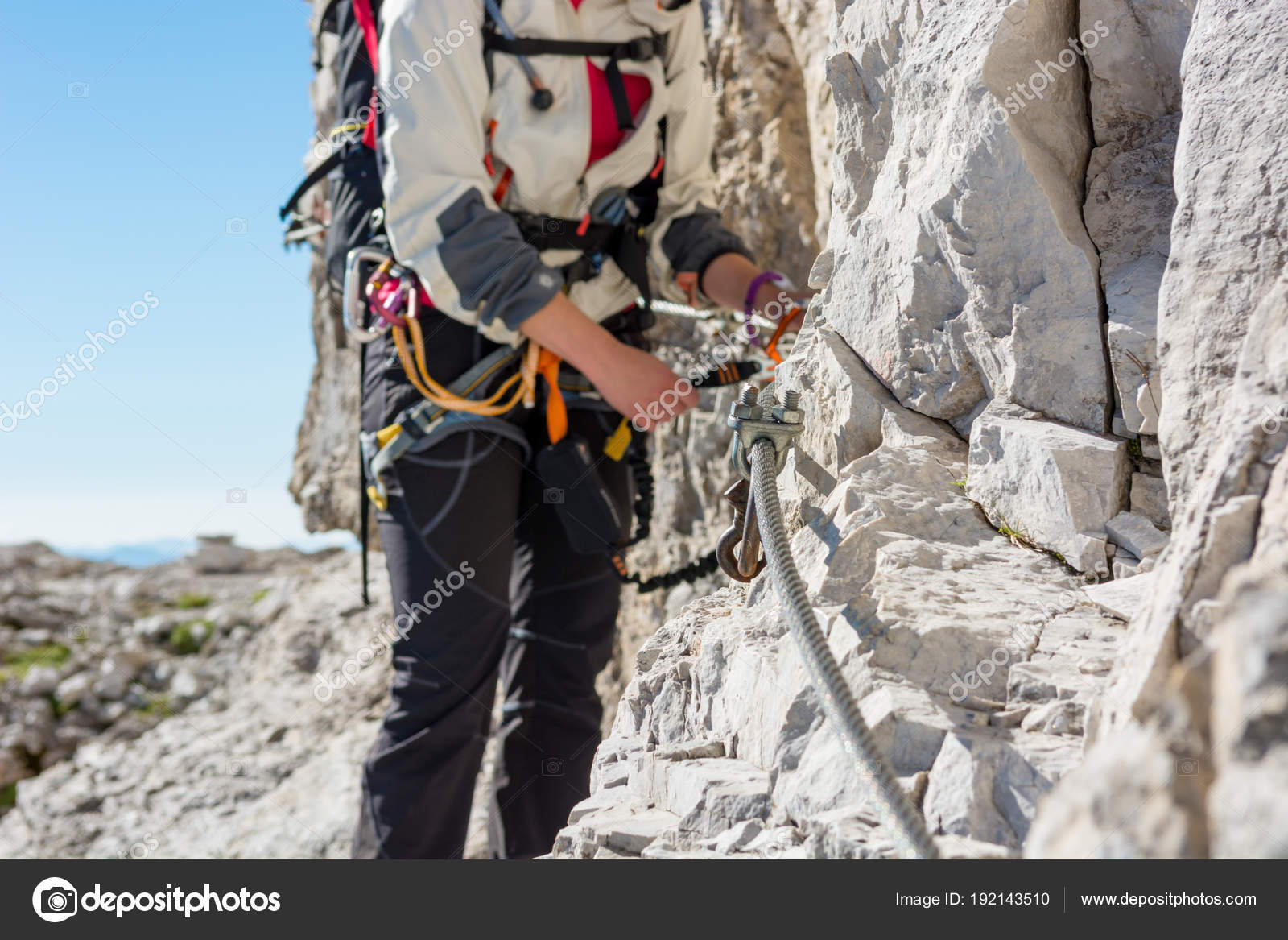 Y Set Klettersteig : Nahaufnahme des weiblichen kletterer klettersteig befestigung set
