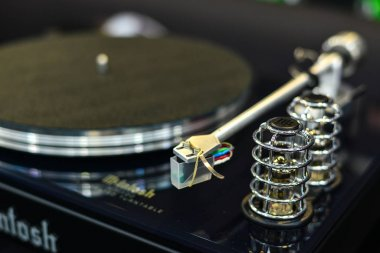 Turntable vinyl record player for sale
