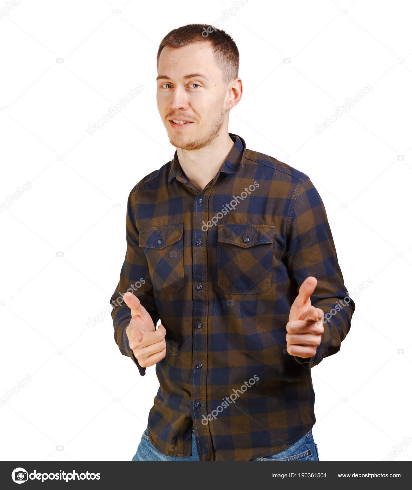 Funny joven en ropa casual camisa a cuadros haciendo un gesto de ...