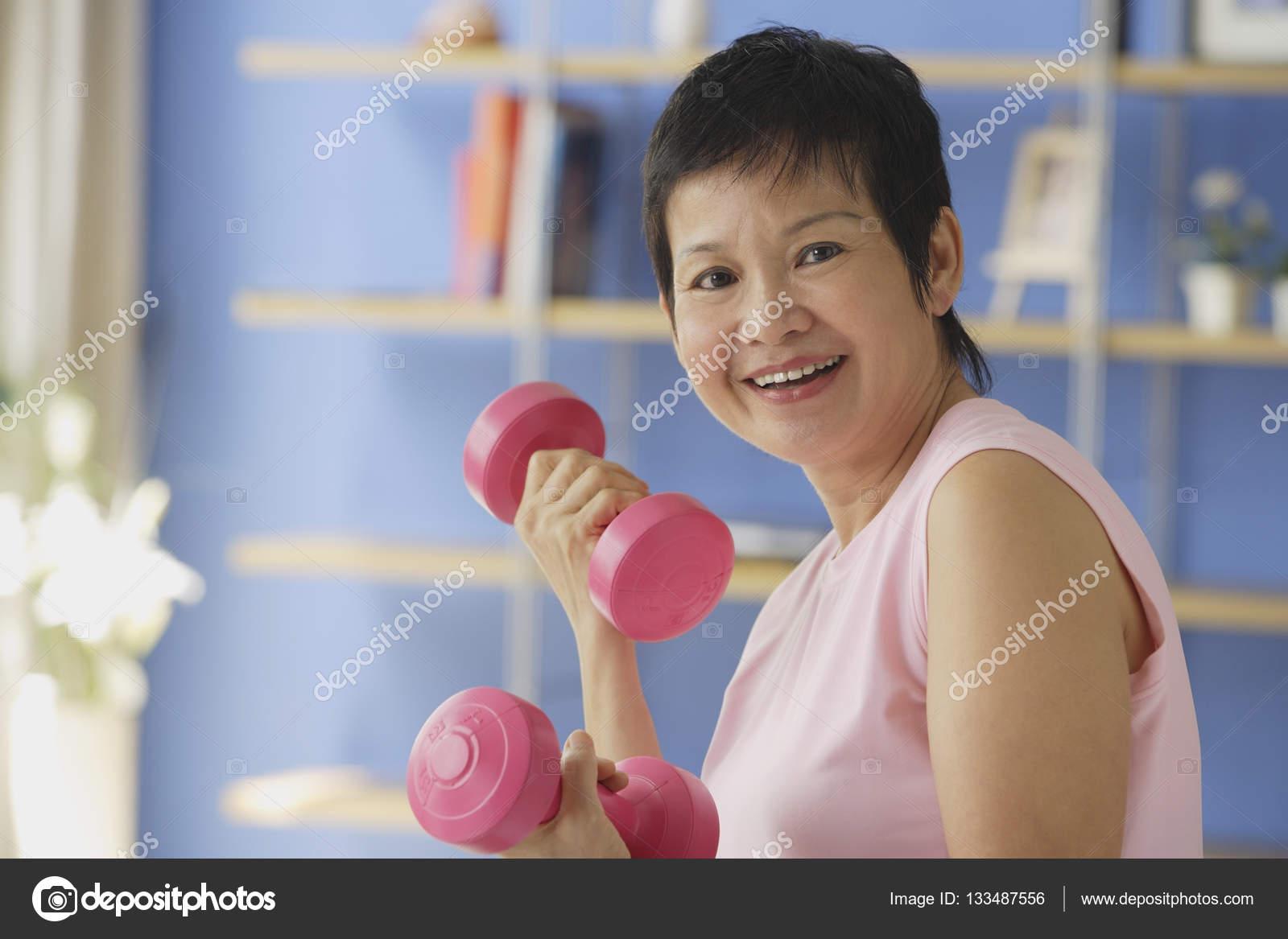 Анал зрелой зрелые женщины азии