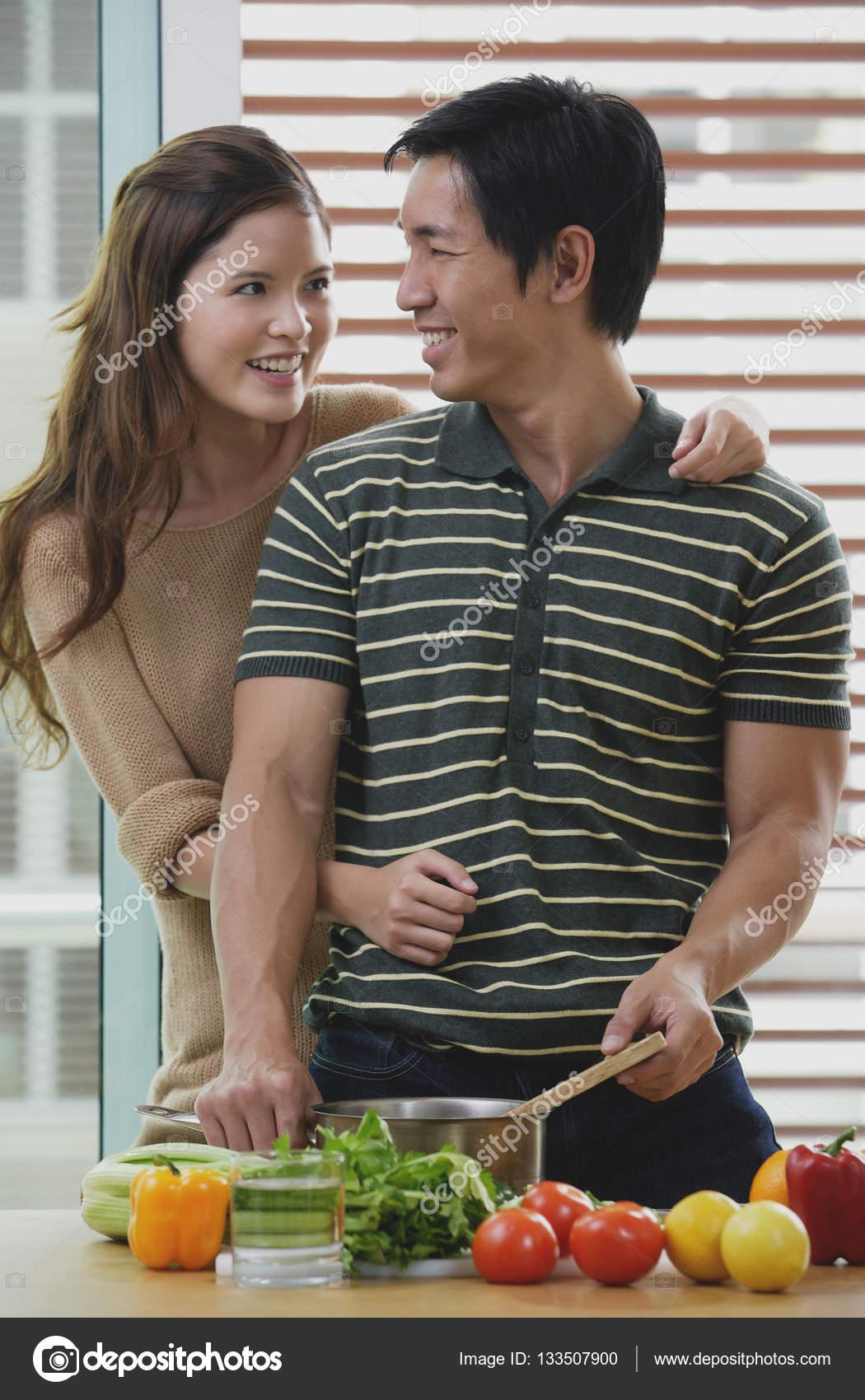 Americká žena datování čínský muž