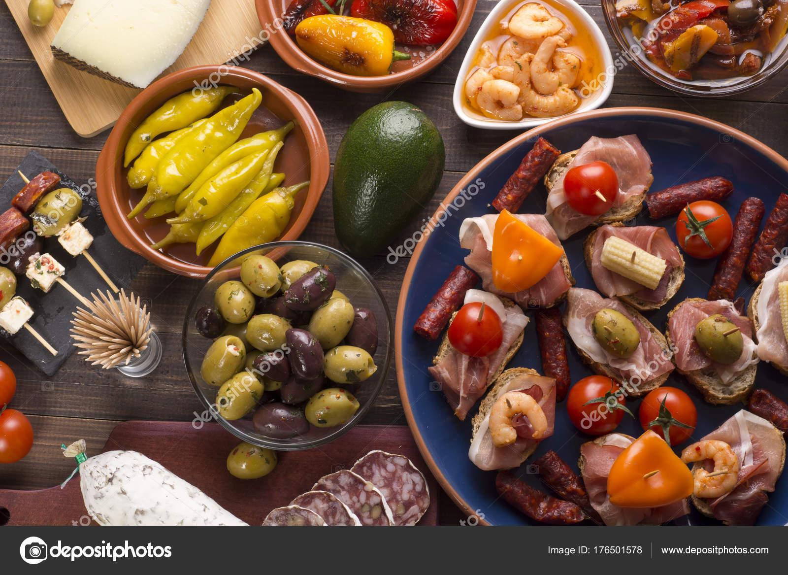 Spanische Tapas Auf Tisch Stockfoto Woyzzeck 176501578