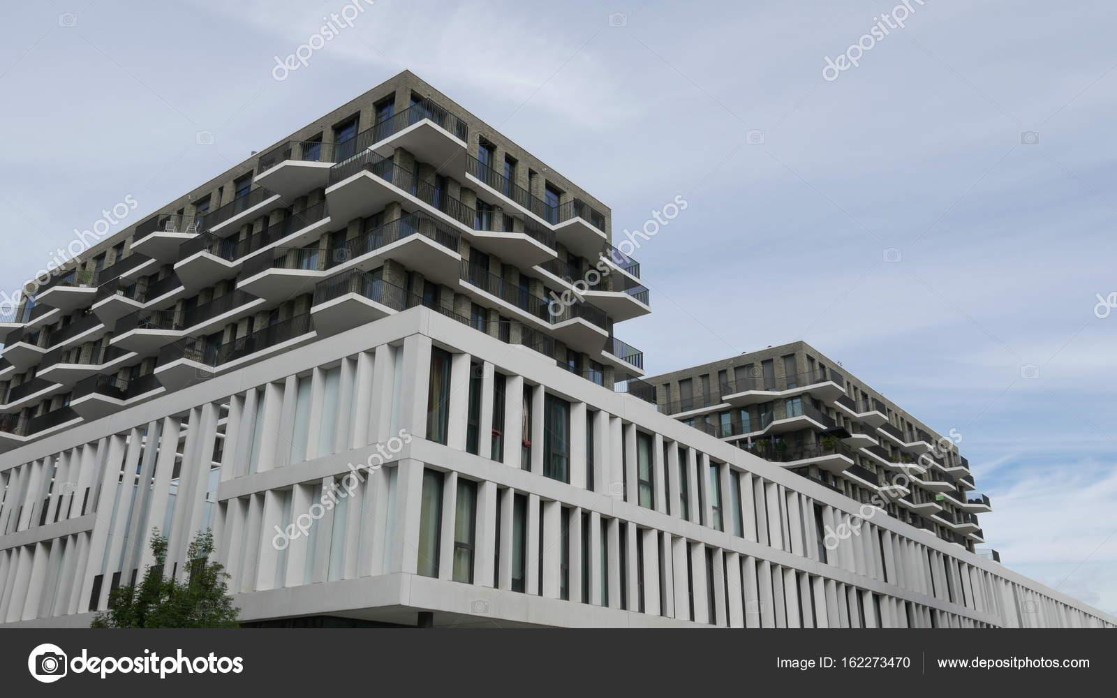 moderne architektur in der stadt stockfoto shadowmaker 162273470. Black Bedroom Furniture Sets. Home Design Ideas