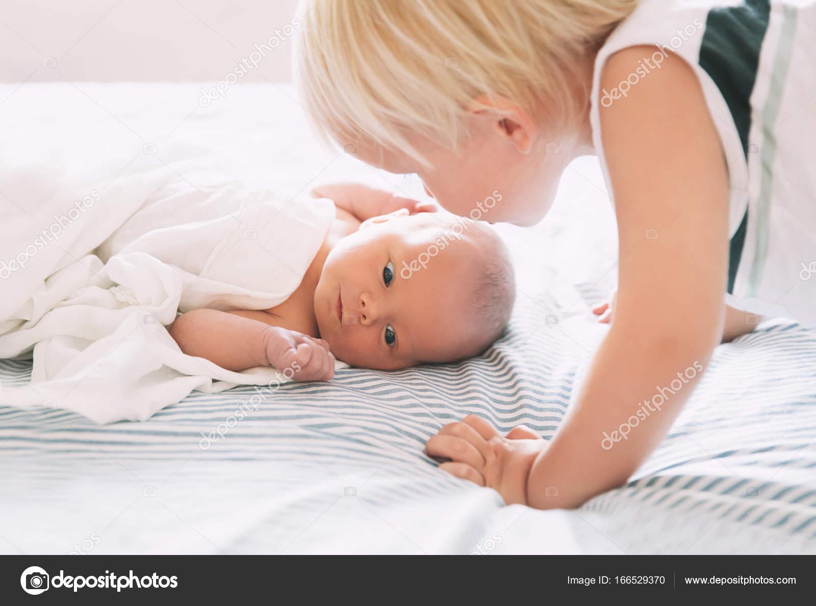 Kussen Voor Peuter : Peuter jongen kussen pasgeboren babymeisje broer en zus