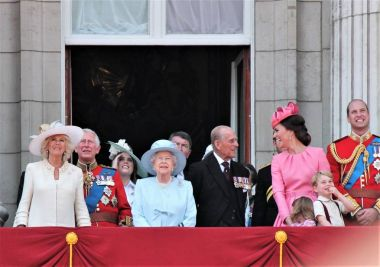 Queen Elizabeth & Royal Family, Buckingham Palace, London June 2017- Trooping the Colour Prince George William, harry, Kate & Charlotte Balcony for Queen Elizabeth's Birthday June 17, 2017 London, UK