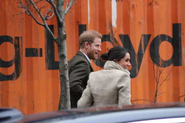 Prince Harry & Meghan Markle, London, UK. 9th January, 2018. Prince Harry and Meghan Markle visit Reprezent radio at POP Brixton to see work being done to combat knife crime in London.
