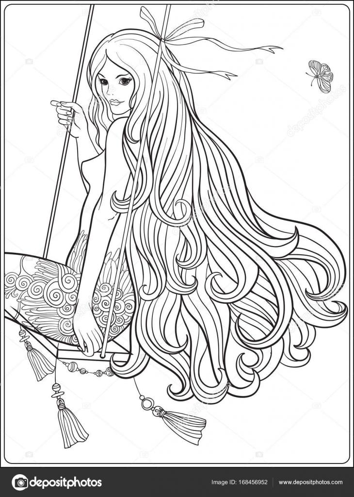 Jovencita hermosa con el pelo largo en columpio en el jardín color ...