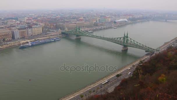 Budapest city skyline a Duna nap éjszaka timelapse, Budapest, Magyarország.