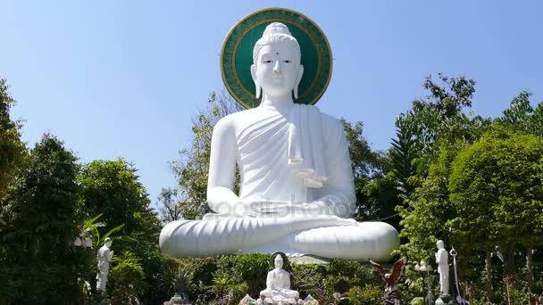 Socha Buddhy Blue Sky 4k
