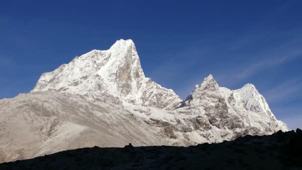 Time Lapse himálajské vrcholy při východu slunce. Nepál, Himaláje