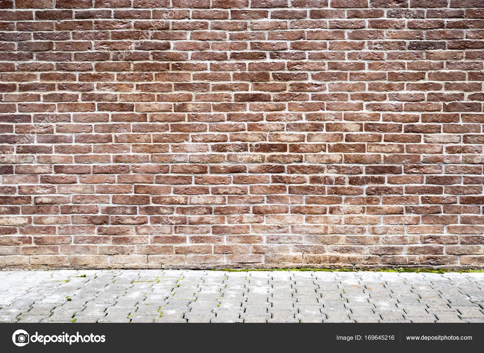 茶色のレンガの壁 ストック写真 C Serjio74b 169645216