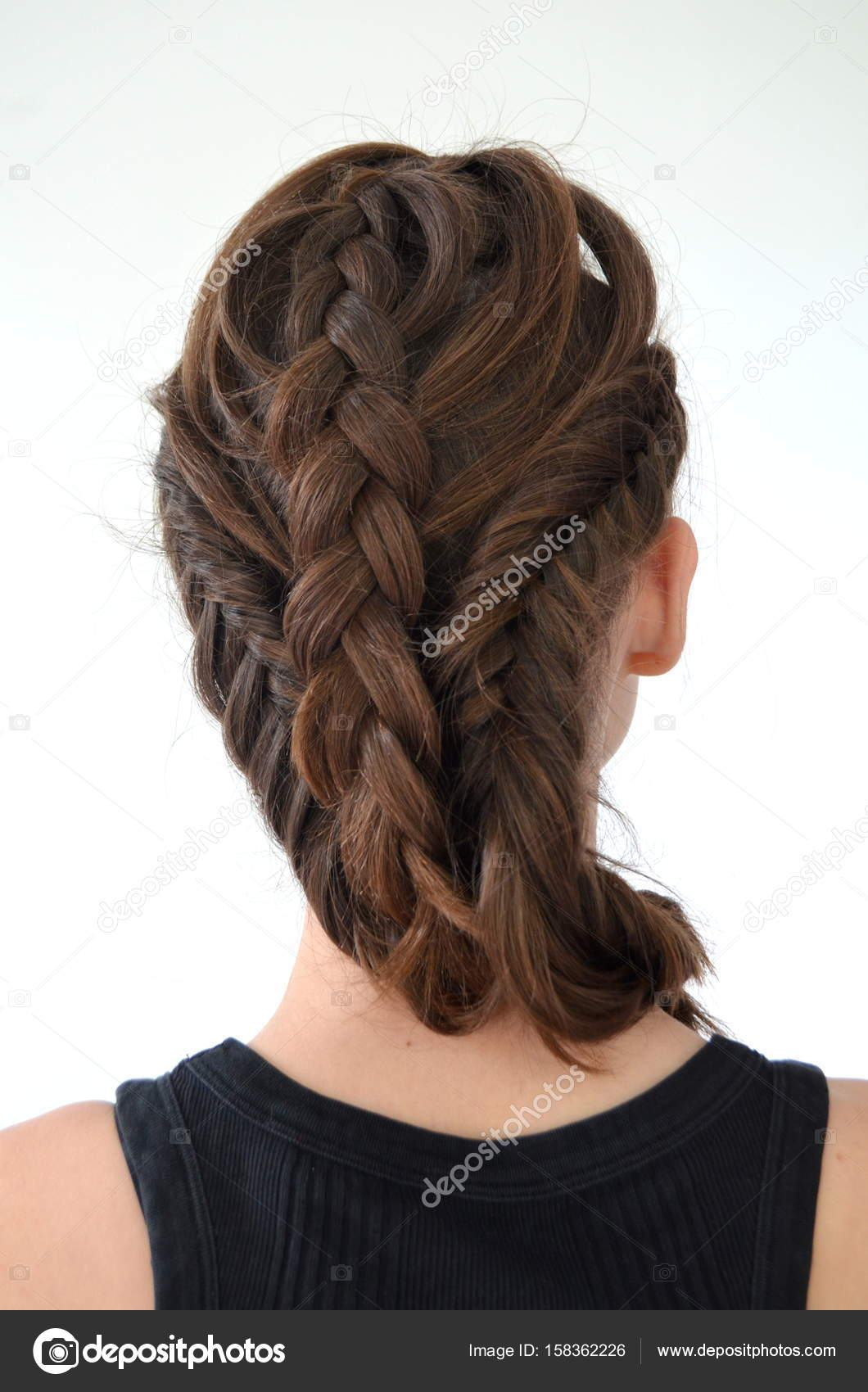 Spikelets on medium hair - hairstyles that will go to everyone 81
