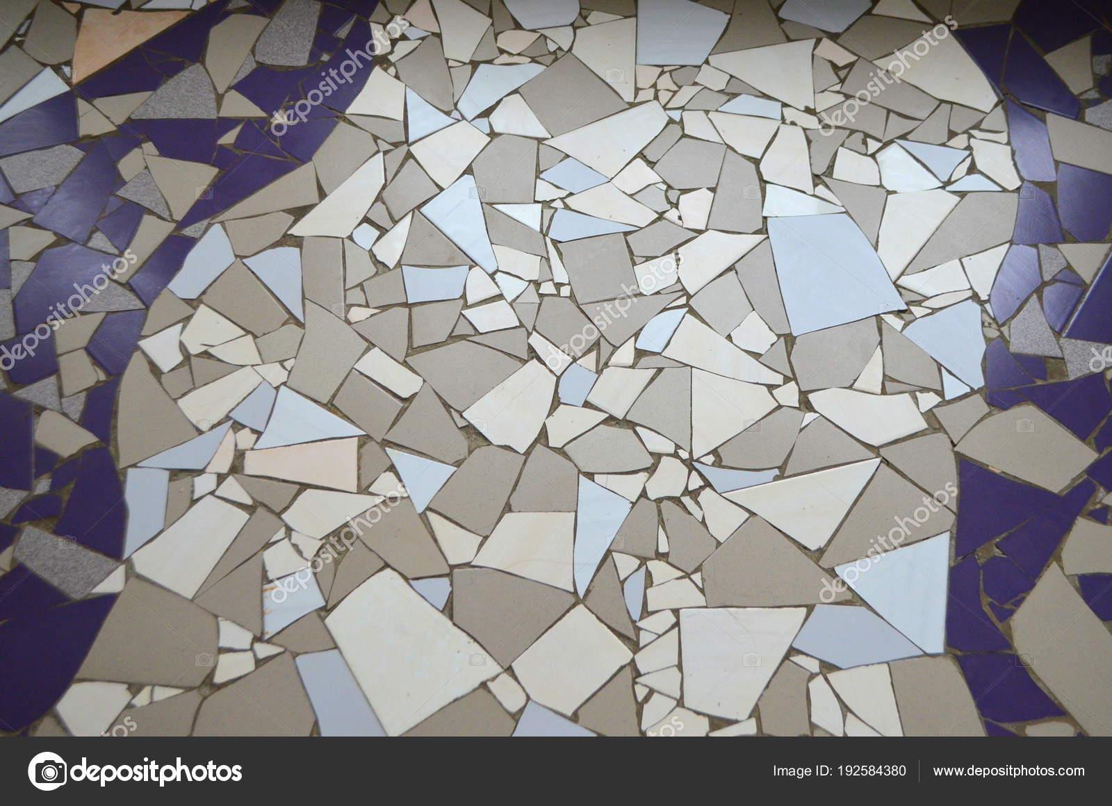 Pavimento con mosaico piastrelle rotte oriental interni moderni