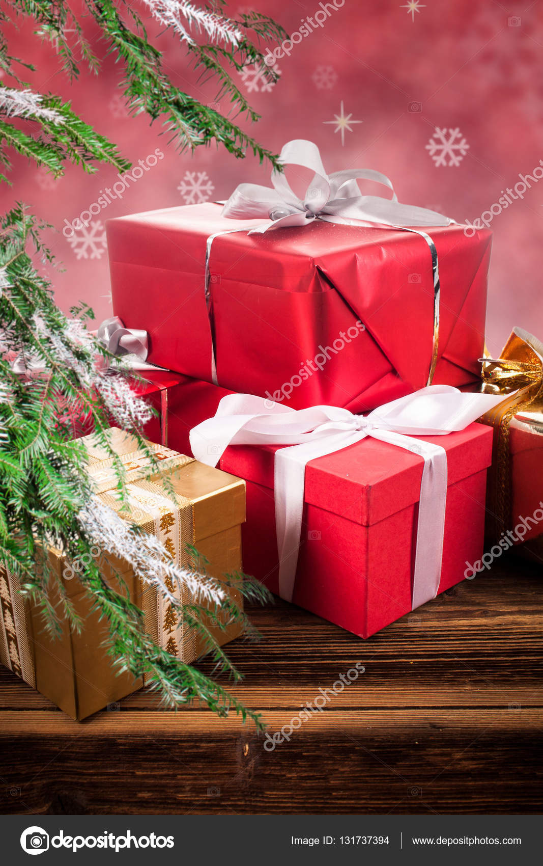 beautifully wrapped gifts under the Christmas tree — Stock Photo ...