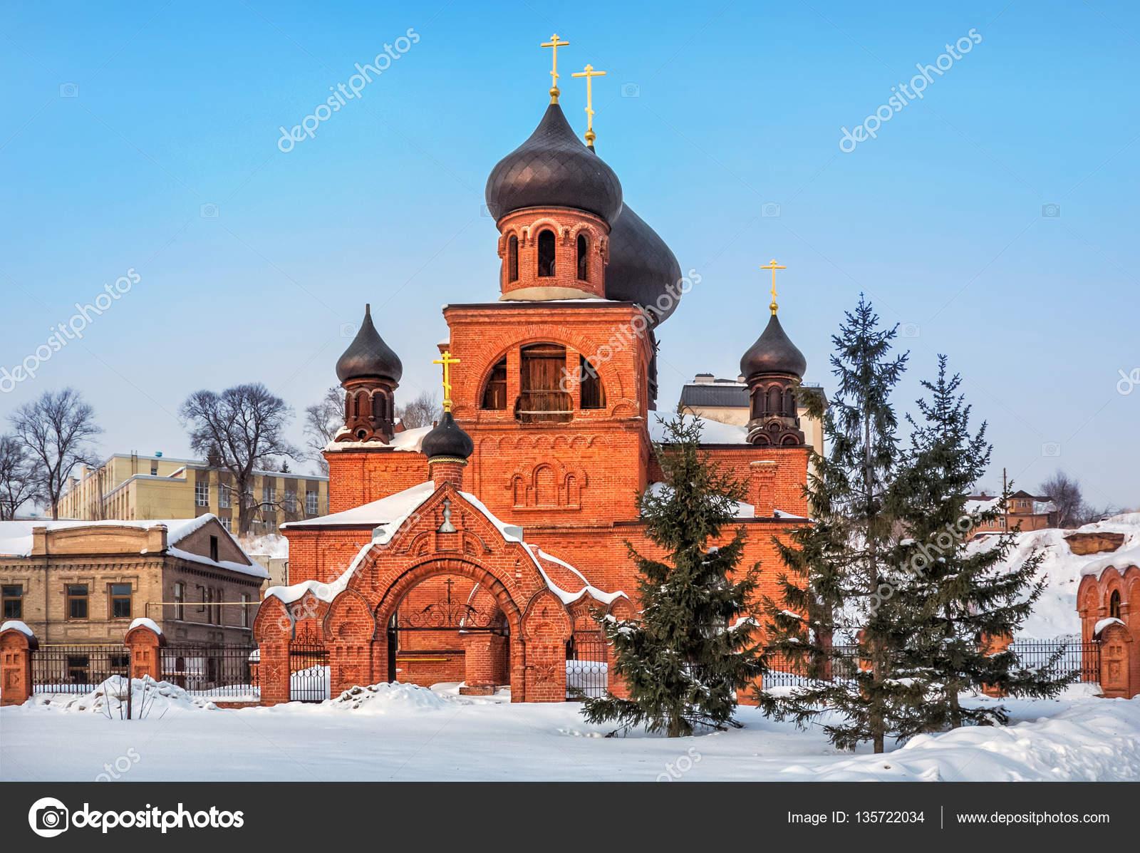 古い信者ポクロフ スキー大聖堂 ...