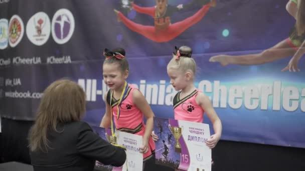 Zaporizhia, Ukrajna - november 24, 2019, Cheerleading Cup of Ukraine, díjnyertesek