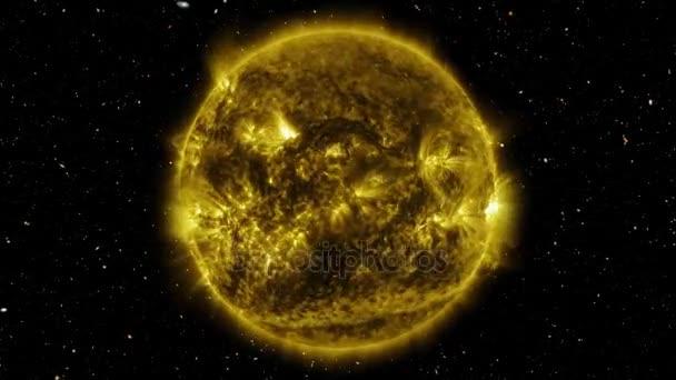 Blesk na slunci, rotující mezi galaxie. Prvky tohoto obrázku jsou zařízeny NASA.