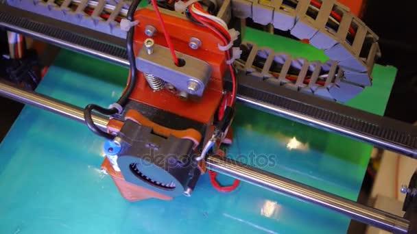 3D tisk - tisk s plastovou drátku