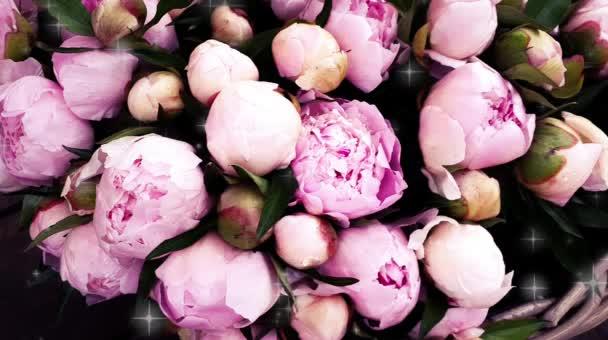 Rózsaszín bazsarózsa szirmok