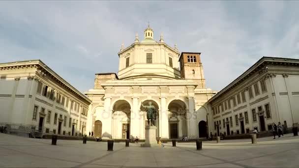 Milano, Italia - 19 settembre: Olmetto Piazza Vetra. Colonne di San Lorenzo