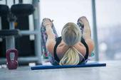 Photo Kettlebell training in modern gym