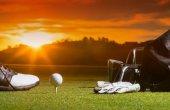 Fotografie Golf club a Golf ball v sáčku na trávě