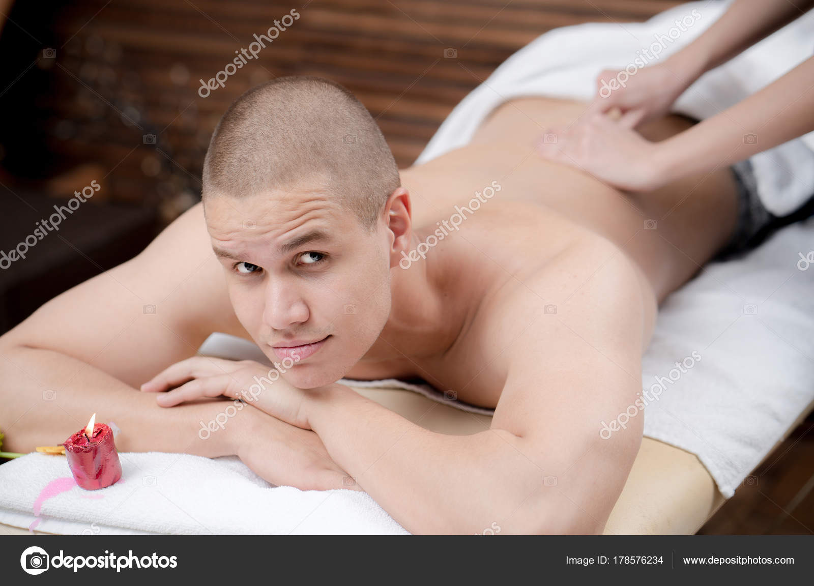 Sexy naked big tit milf babes
