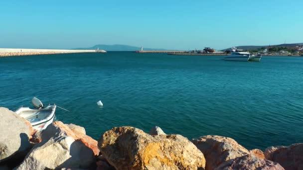 Maják a moře