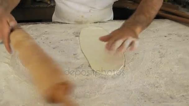 Baker kolejových těsto