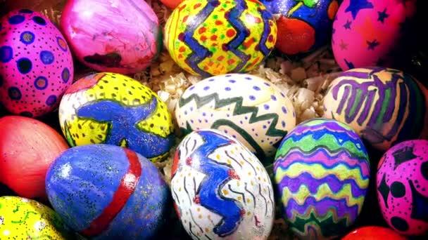 Színes húsvéti tojás húsvéti ünnep